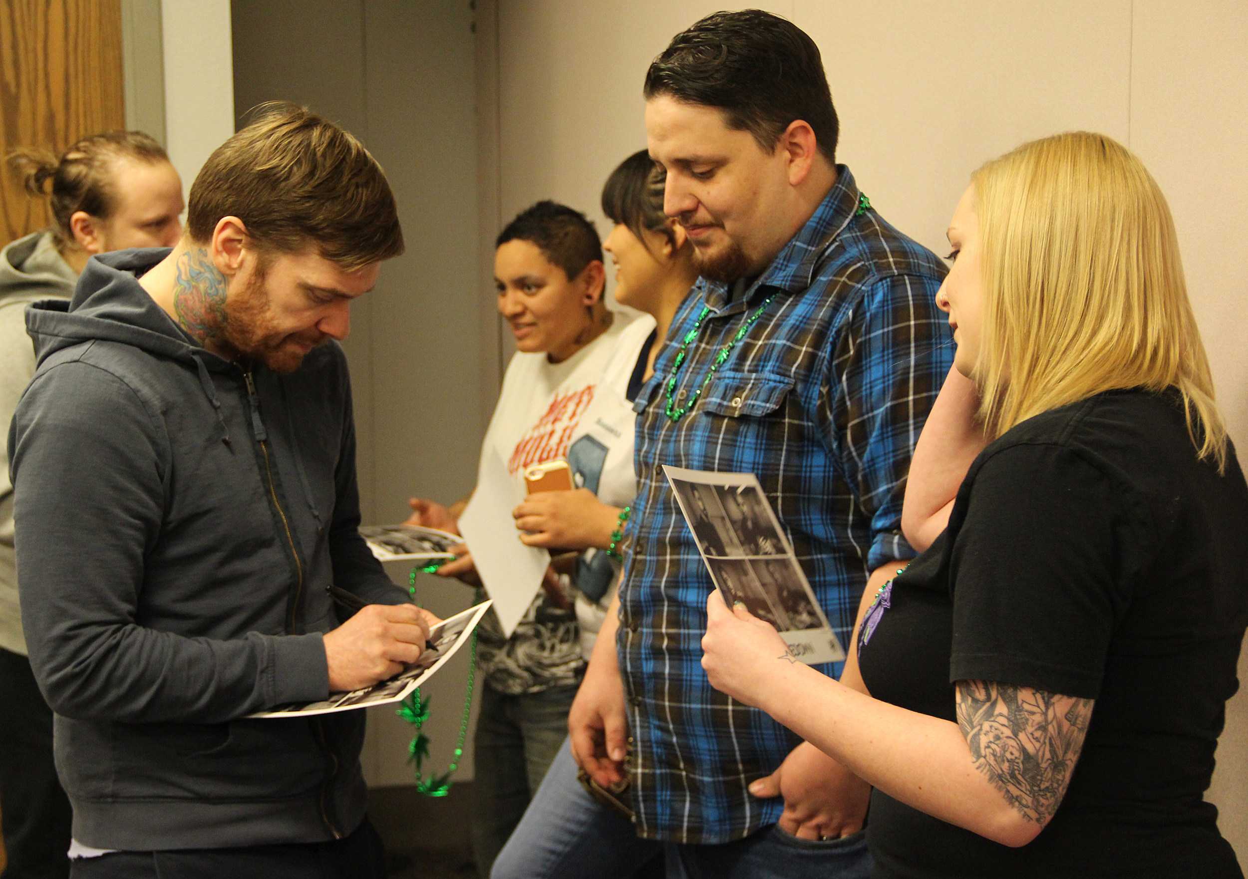 Casper Fans Meet N Greet Shinedown Photos